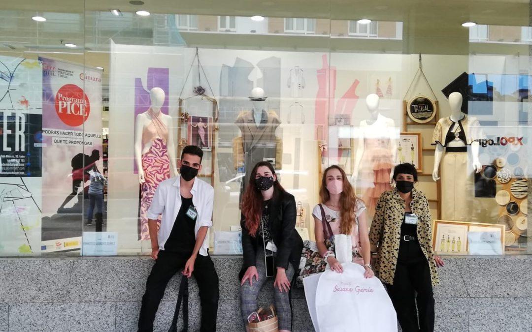 El Corte Inglés cede un escaparate a los alumnos de la Escuela de Moda LIPER